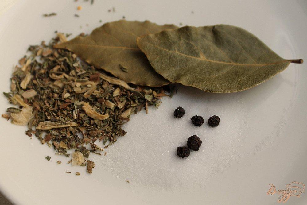 Фото приготовление рецепта: Красный борщ с крапивой шаг №4