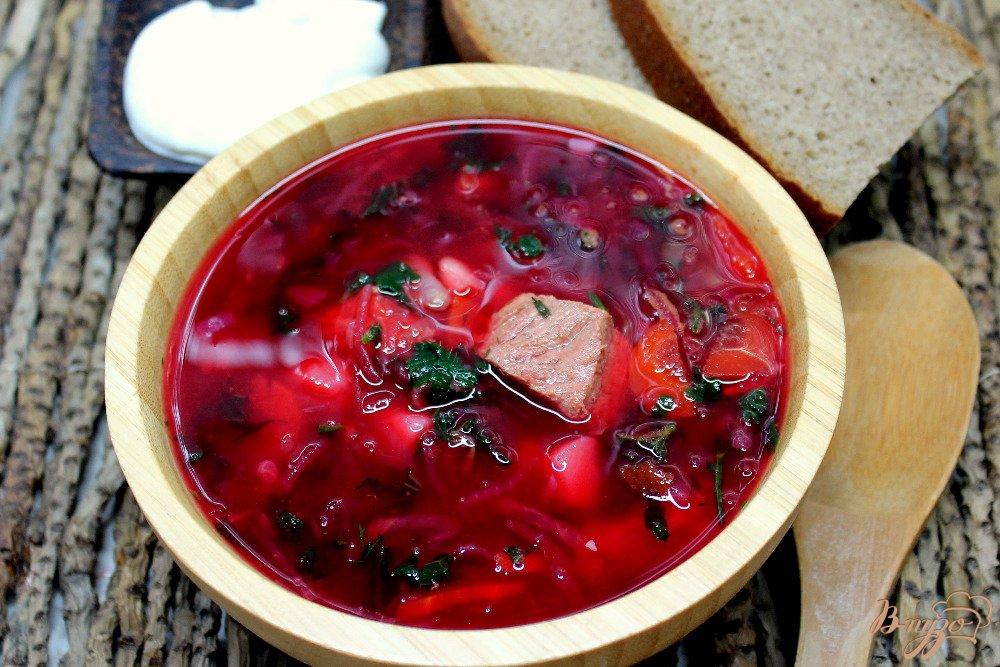 Фото приготовление рецепта: Красный борщ с крапивой шаг №7