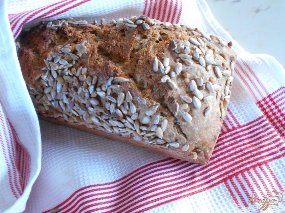 Фото приготовление рецепта: Хлеб с подсолнечными семечками шаг №8