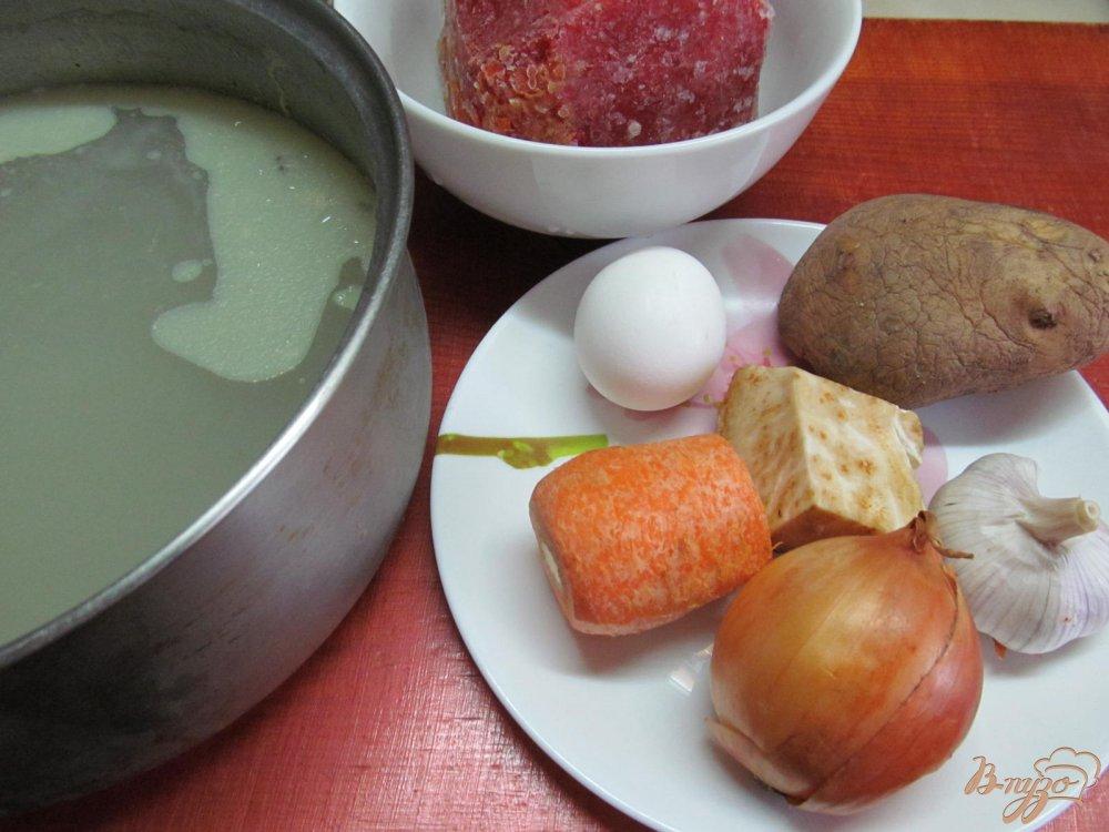 Фото приготовление рецепта: Томатный суп с яйцом шаг №1