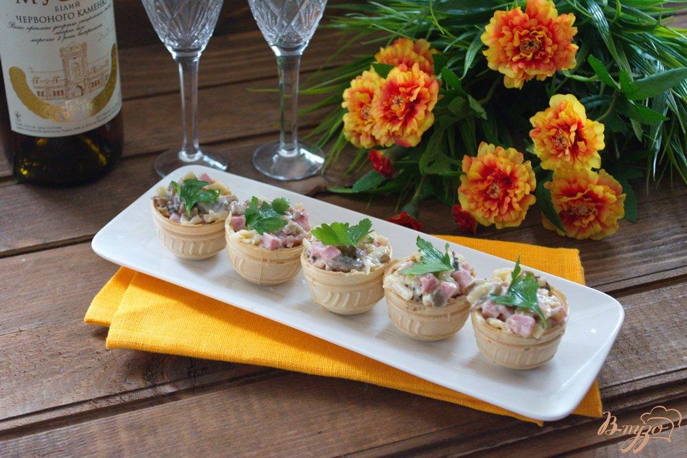 Фото приготовление рецепта: Закуска в вафельных тарталетках шаг №5
