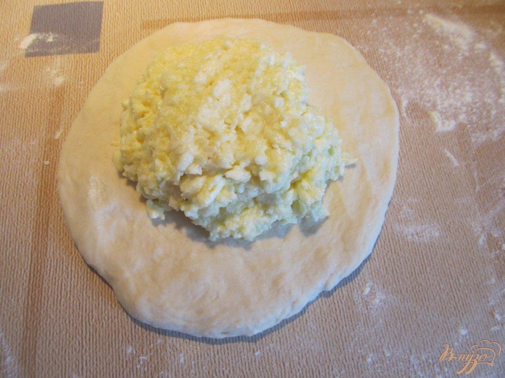 Фото приготовление рецепта: Хачапури с брынзой шаг №7