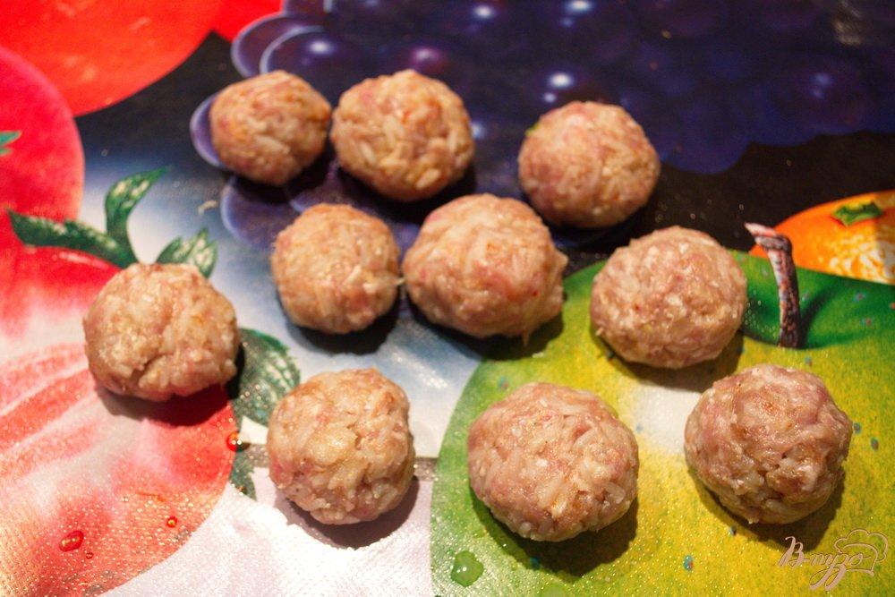 Фото приготовление рецепта: Свиные тефтели в соусе шаг №5