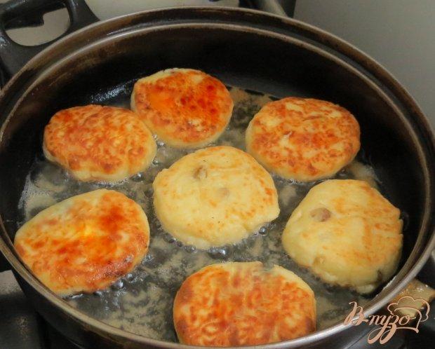 Сырники с изюмом и манной крупой