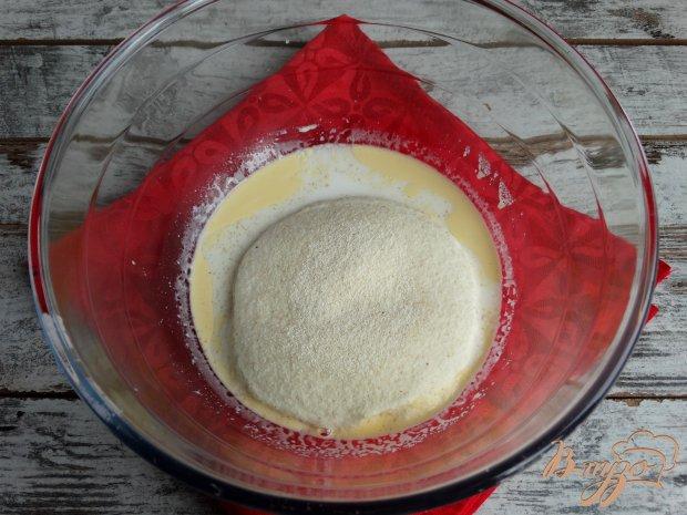 Пирог на манке с киви и маком