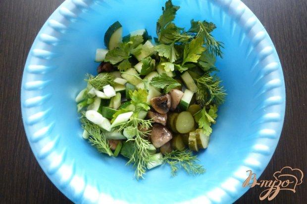 Рецепт Салат из двух видов огурцов и запеченной щуки