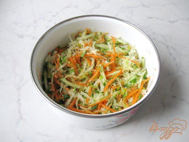 Салат из редьки с сельдереем