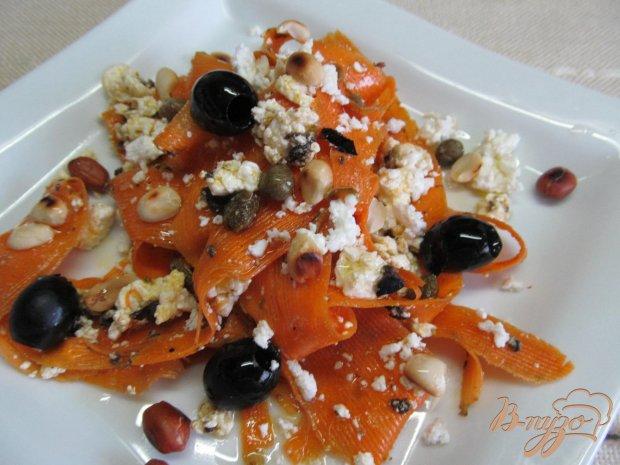 Салат из моркови с тапенадом