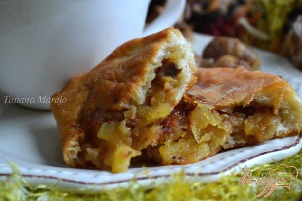 Жареные пирожки с яблоками и каштанами