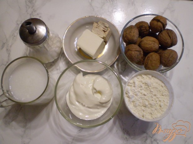 Рецепт Мини плюшки с орехами и сахаром
