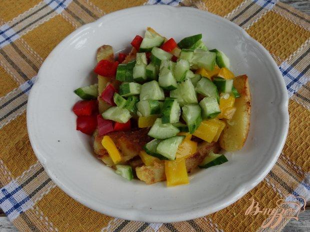 Картофельный салат с перепелиными яйцами и горчично-чесночной заправкой