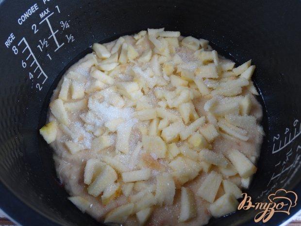 Сухарник с яблоками в мультиварке