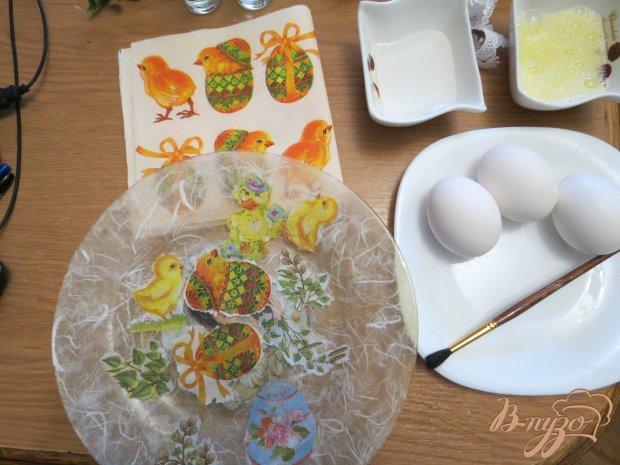 Яйца пасхальные (оформлены в технике декупаж)