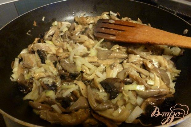 Рецепт Молодой картофель с грибами,тушенный в молоке