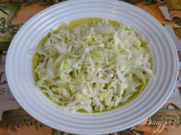 Рецепт Капустный салат с омлетом и колбасой