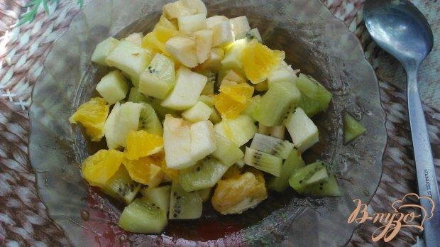 Фруктовый салат в сметано сахарном соусе