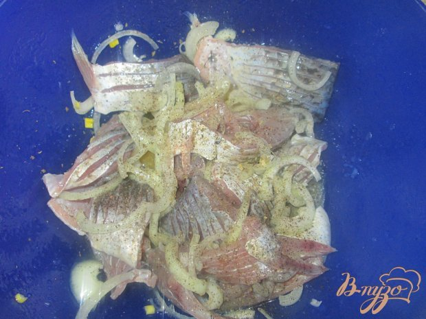 Маринованная рыба карась
