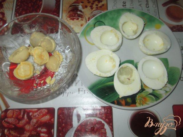 Рецепт Фаршированные яйца с плавленым сыром и чесноком