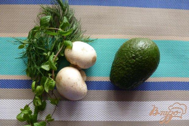 Рецепт Салат из шампиньонов,авокадо и мяты