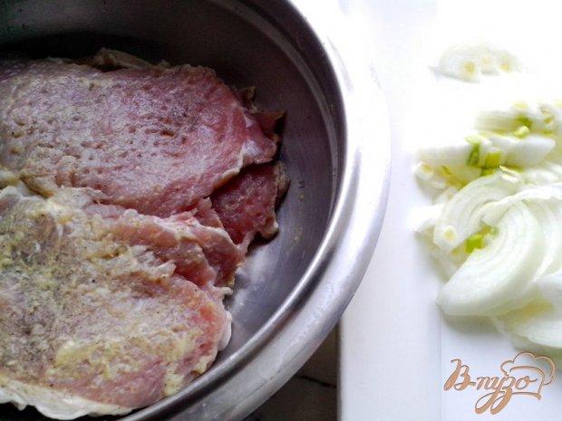 Отбивные из свинины с вишней