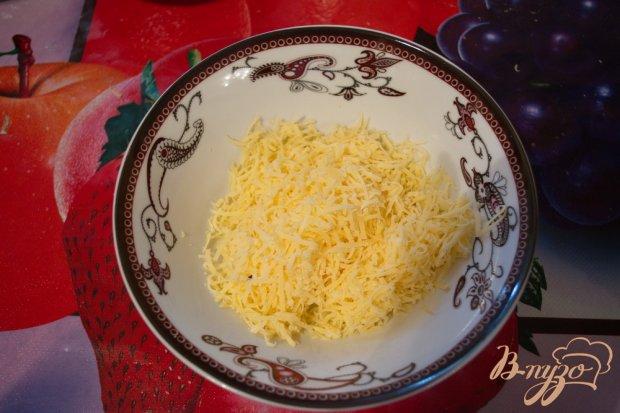 Запеченый батон с сыром и зеленью