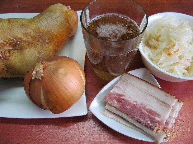 Рецепт Рулька в пиве с квашенной капустой