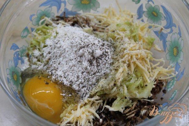 Грибные оладьи с кабачками