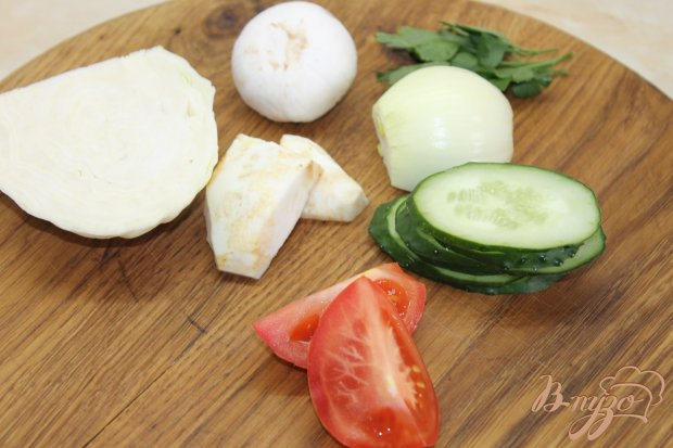 Рецепт Салат овощной с свежими шампиньонами и сельдереем