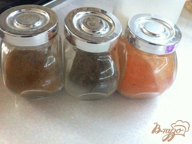 Куриные бедрышки в томатном соусе.