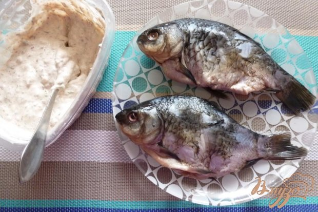 Рецепт Караси,запеченные в сметанном соусе