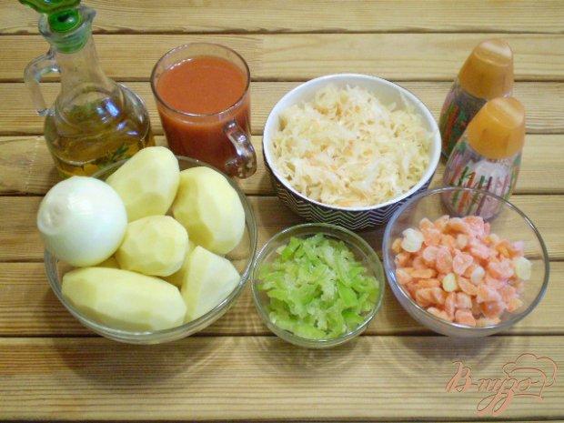 Овощное рагу с капустой на сковороде