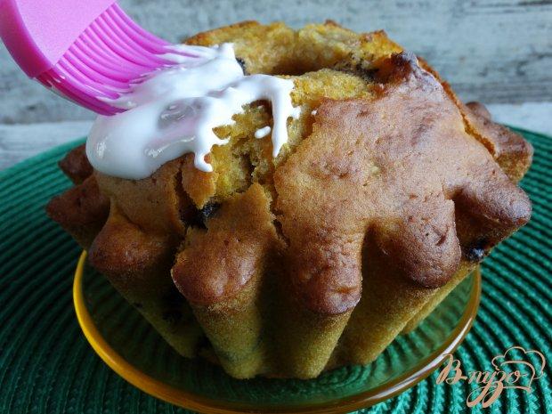 Тыквенный кекс с шоколадом и белой глазурью