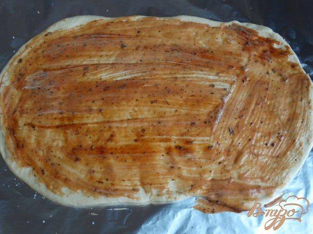 Стромболи с ветчиной сыром и вылеными помидорами
