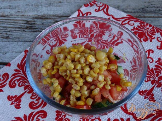 Салат Табуле с куриным филе и кукурузой