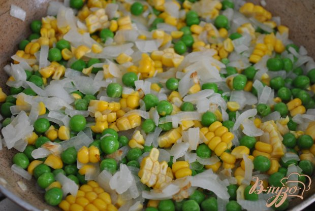 Тортилья с кукурузой и горошком