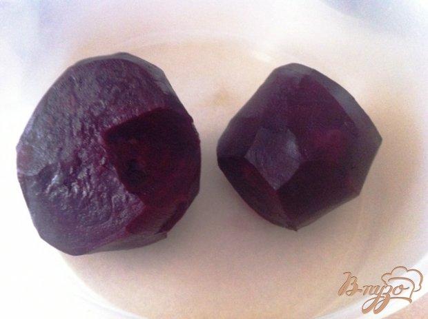 Рецепт Салат из свеклы с чесноком и изюмом