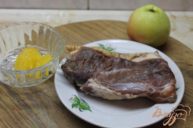 Рецепт Утиная грудка запеченная с медом и яблоком