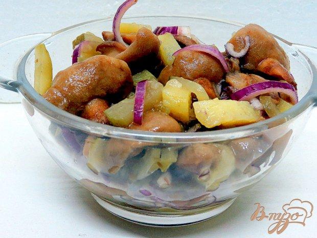 Салат из огурцов и грибов