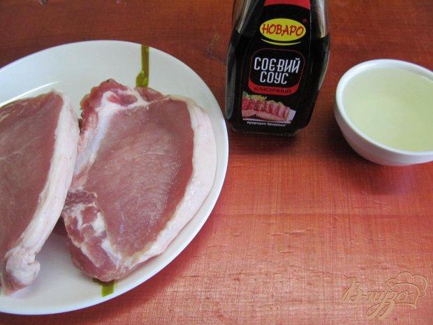 Свиной стейк с ананасовым соусом