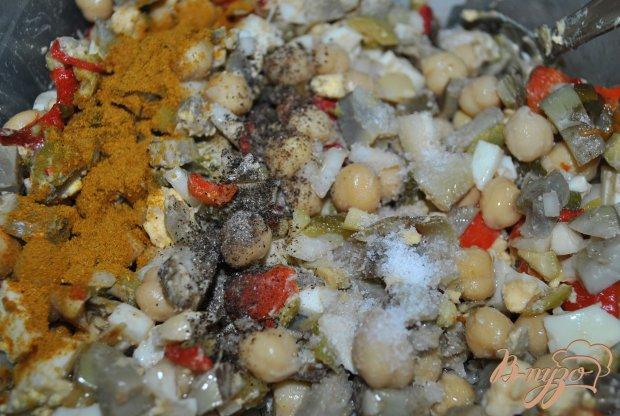 Салат с горохом нут