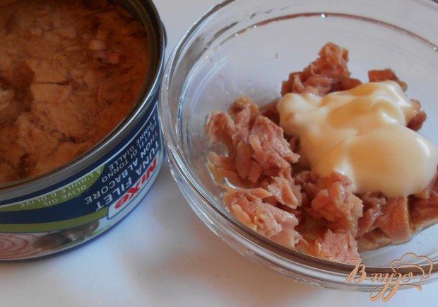 Закуска из консервированных персиков и тунца