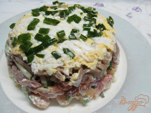 Салат из копченной курицы фасоли и огурца