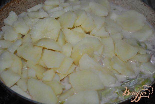 Кальмары с картофелем в сметанном соусе