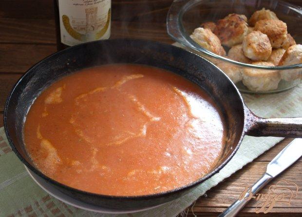 Сметанно-томатный соус для тефтелей
