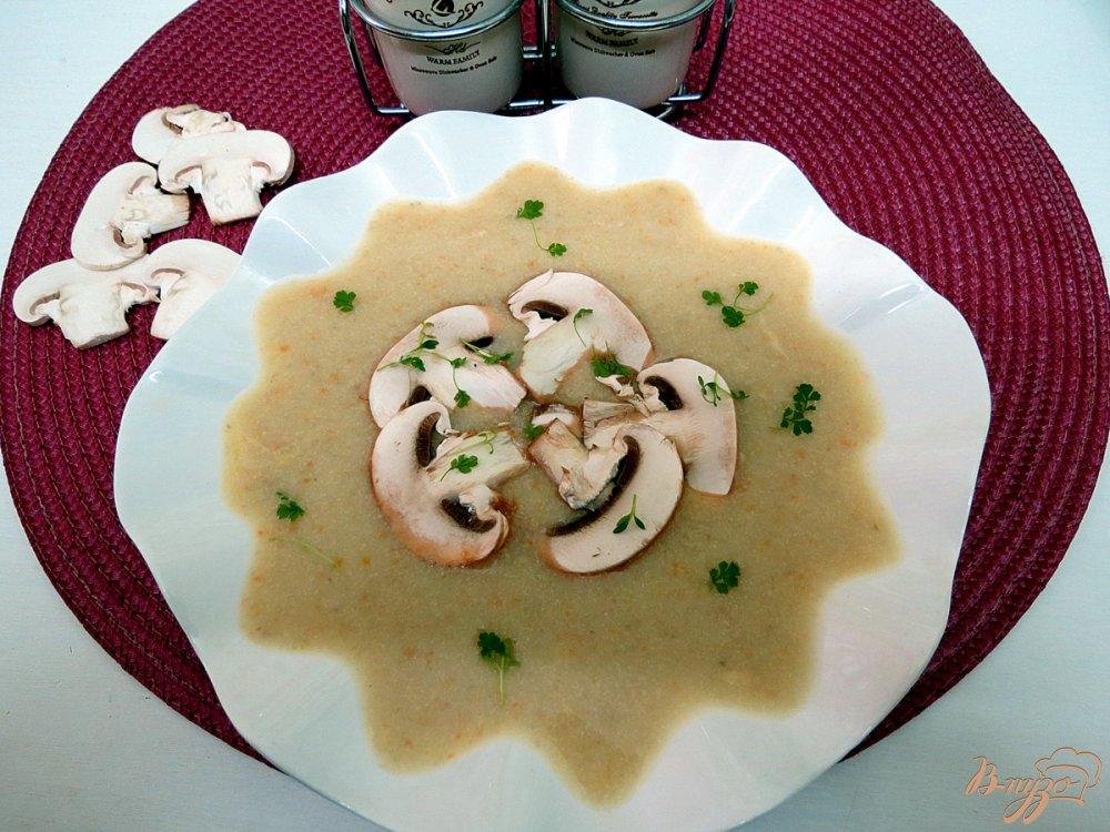 Фото приготовление рецепта: Суп пюре овощной  с шампиньонами шаг №11