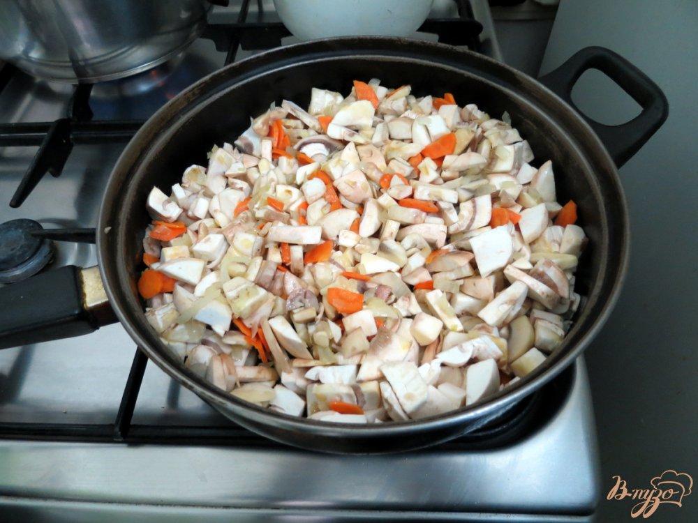 Фото приготовление рецепта: Суп пюре овощной  с шампиньонами шаг №6