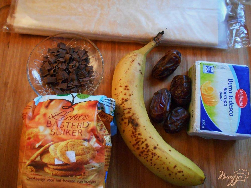 Фото приготовление рецепта: Банановый тарт-перевертыш с финиками шаг №1