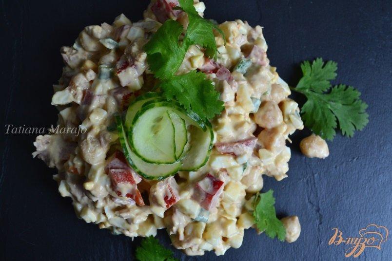 Фото приготовление рецепта: Салат с нутом шаг №4