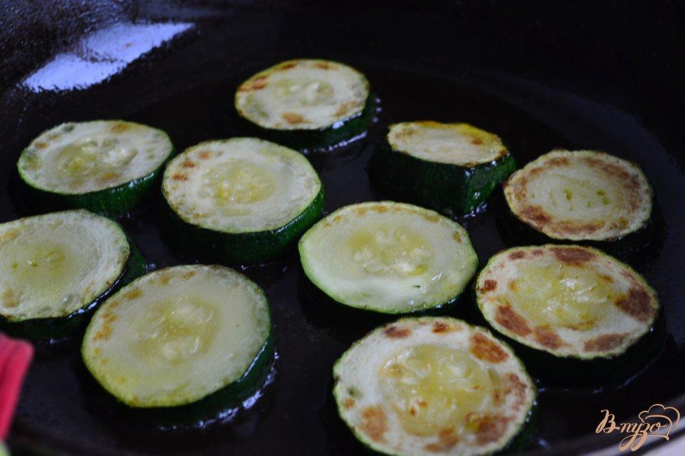 Фото приготовление рецепта: Клецки из цукини c нутом шаг №1