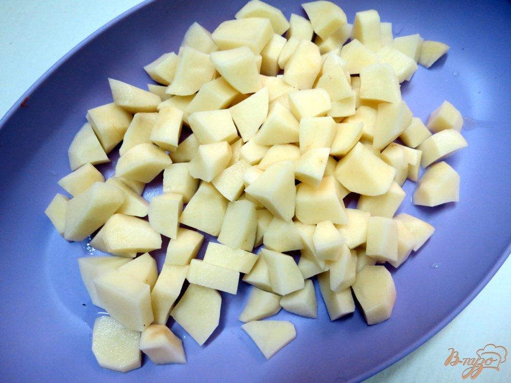 Фото приготовление рецепта: Суп овощной со свежей капустой и грибами шаг №2